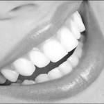 Retrouvez le sourire : extraction et implantation immédiate